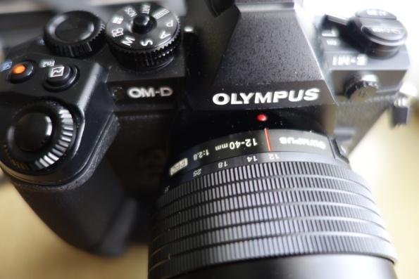 Olympus OMD 1 con objetivo 12-40